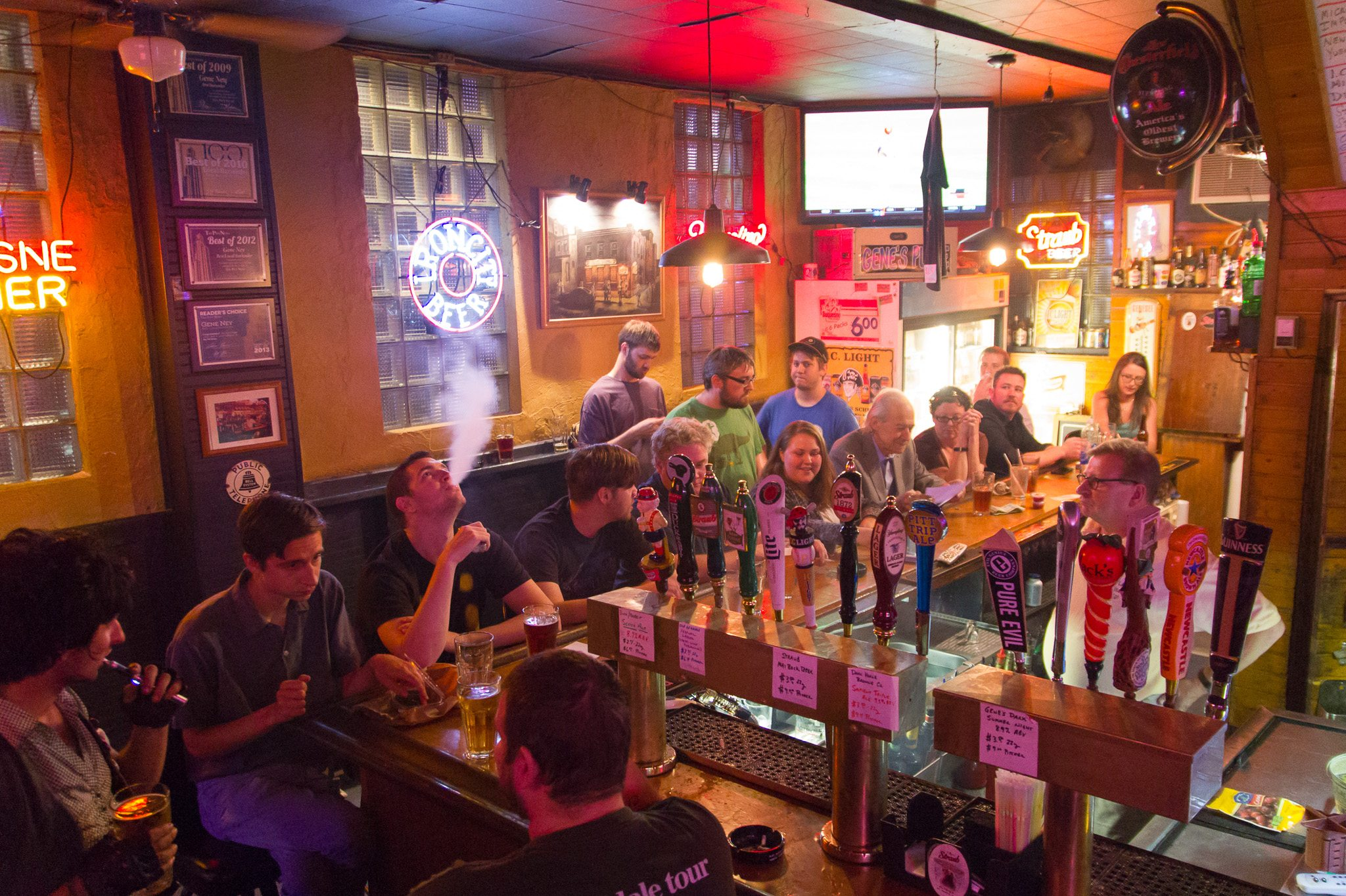 11 pittsburgh dive bars you 39 ll want to call home for Bar dive
