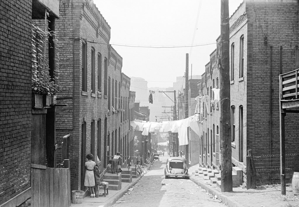 pittsburgh-the-hill-slum4